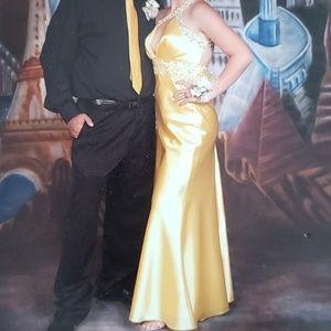 Dresses & Skirts - Yellow formal dress